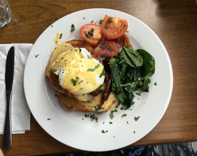 Eggs Benedict  - The Deck at Ryan's Hotel,Thirroul